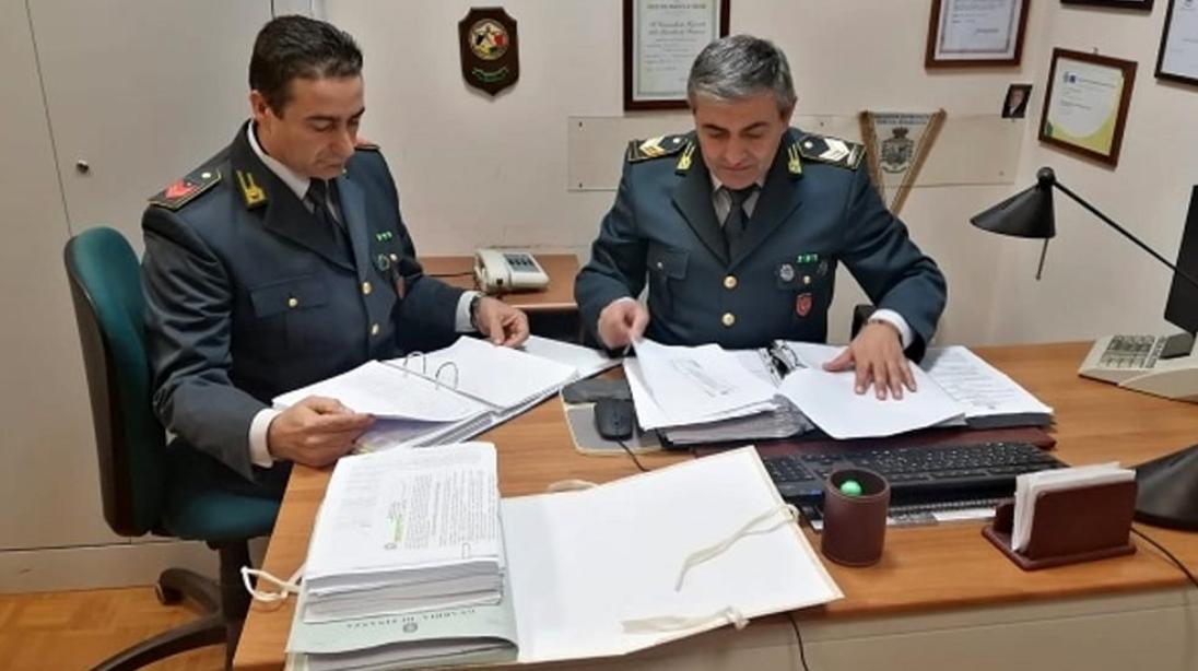 Figlio in carcere e prende il Reddito di cittadinanza, denunciata a Palermo