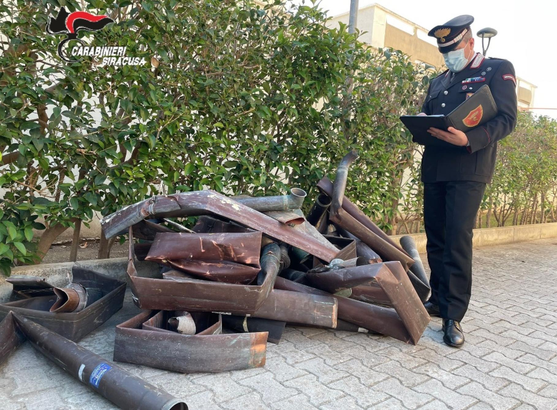 Smontavano grondaie di rame a Noto: quattro denunciati