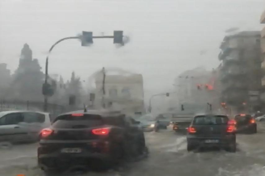 I danni del maltempo a Siracusa, evacuate 5 famiglie in via Calabria