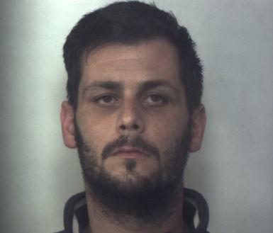 Tagliavano le saracinesche per svaligiare i tabaccai: 2 arresti a Siracusa