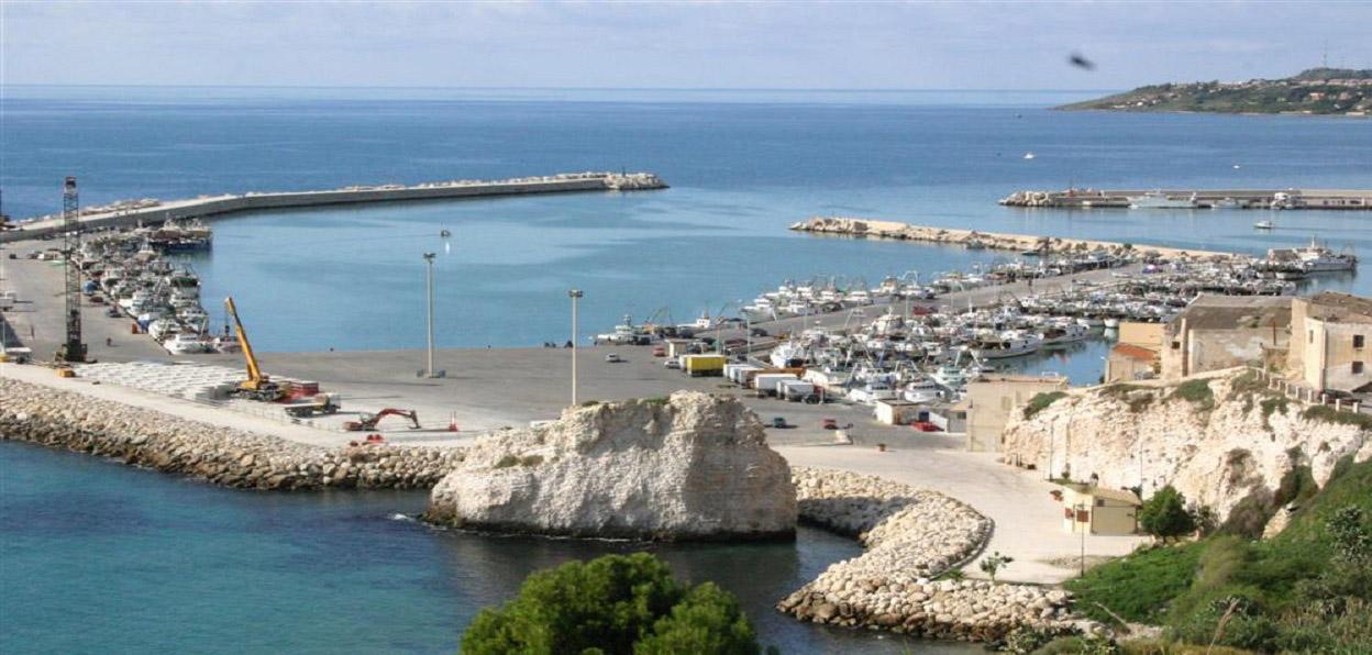 Regione, pubblicato il bando per il completamento del porto di Sciacca