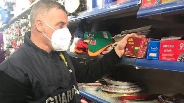 Pozzallo, bloccato all'imbarco per Malta con smartphone e 68 mila euro