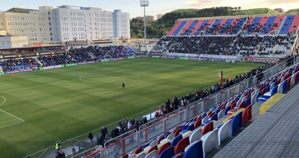 Calcio, il Messina disputerà le gare interne in serie C sul campo di Crotone