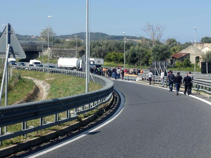 Gioia Tauro, prosegue blocco attività al Porto