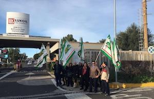 Priolo, i lavoratori Ciclat senza stipendi in sciopero