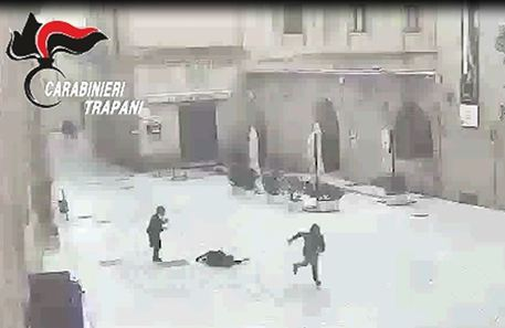 Scippa due anziane a Mazara, incastrato dalle telecamere
