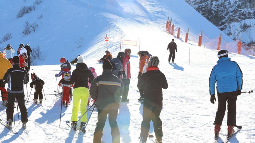Truffe: falsi infortuni sulle piste da sci, 29 indagati a Torino