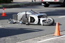 Mascalucia, con lo scooter  finisce contro un'auto: morto uno studente