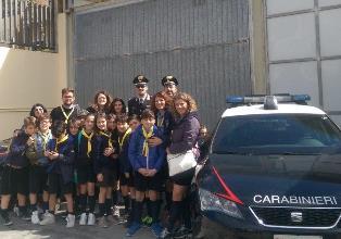I carabinieri aprono le porte della Compagnia ai lupetti del gruppo scout Noto 1