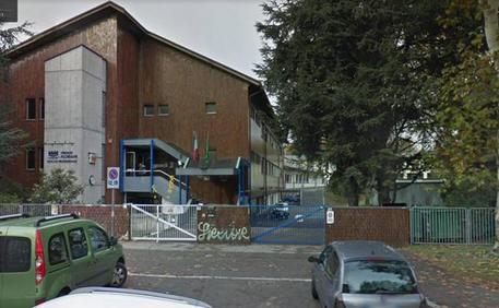 Insegnante aggredita nel Milanese, confessa lo studente