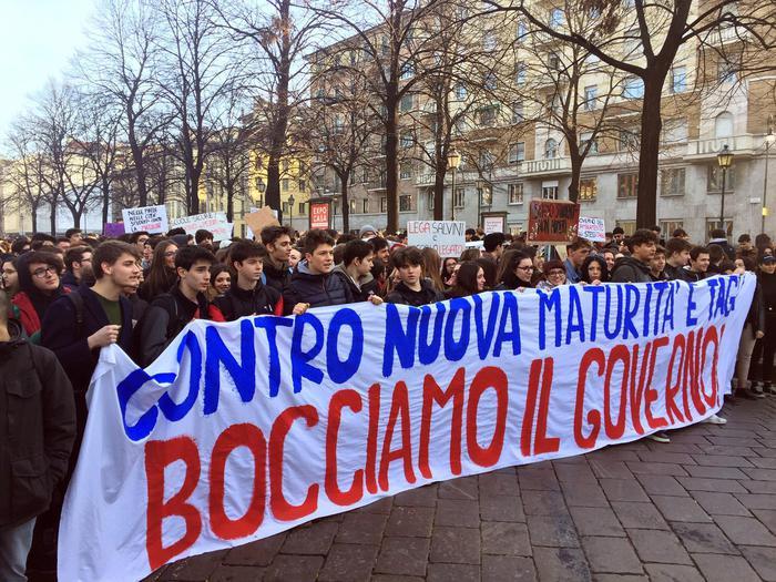 Studenti in piazza in 30 città contro nuova Maturità
