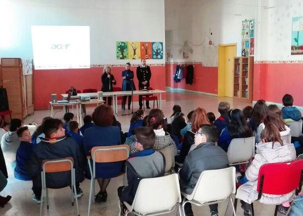 Vittoria, bullismo e cyberbullismo: i carabinieri incontrano gli studenti