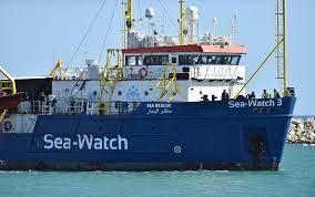 Manifestazione per la Sea Watch: 7 denunciati per l'invasione del porto di Napoli
