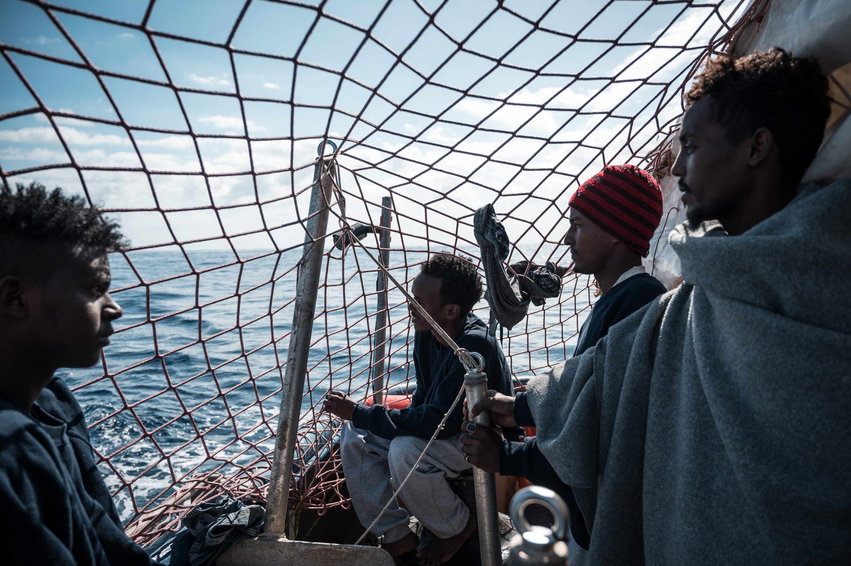 """Coronavirus, governatore della Sicilia: """"Niente sbarco di migranti o quarantena"""""""