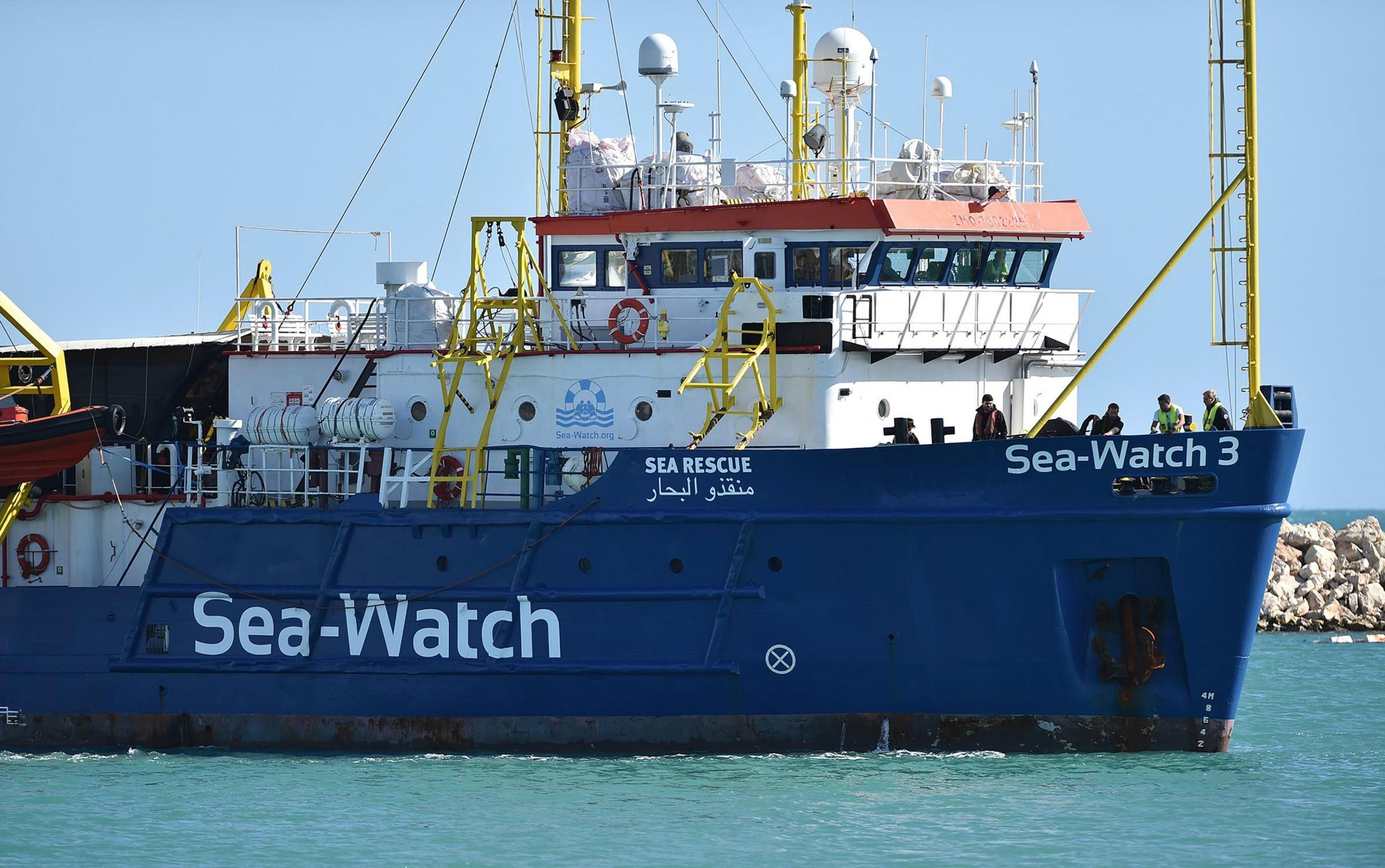 Porto Empedocle, fermo amministrativo per la nave Sea Watch 3