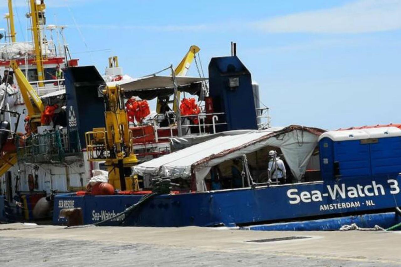 """Capitano della Sea Watch ad Agrigento: """"Salvare non è un reato"""""""