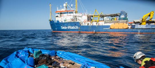Salvini firma divieto d'ingresso della Sea Watch a Lampedusa