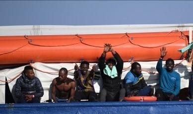 Il Viminale assegna il porto di Messina ai 73 migranti della Sea Watch