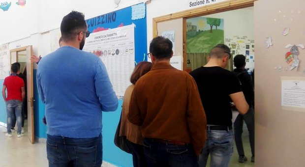 Elezioni, ballottaggi in 5 Comuni: Caltanissetta e Castelvetrano test per i 5Stelle