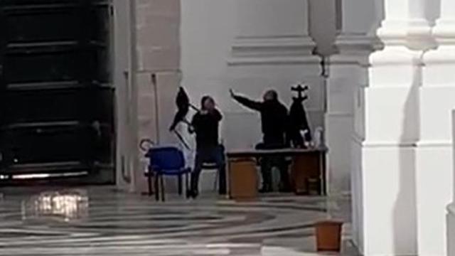 Catania, lite tra due impiegati: vengono sospesi 30 giorni