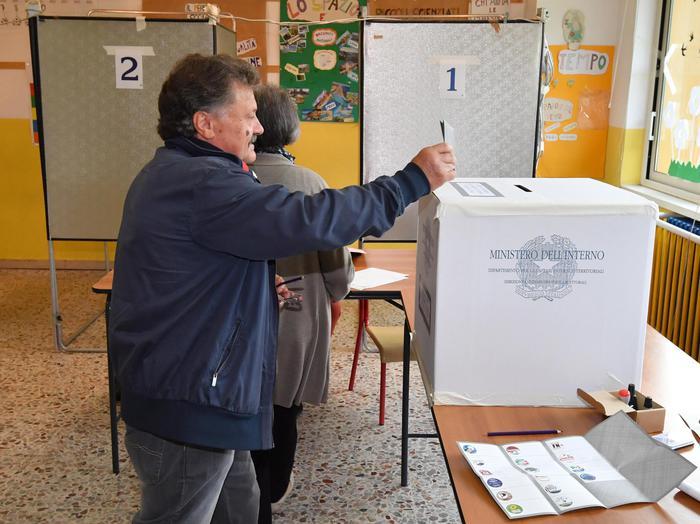 Elezioni europee, seggi aperti: si vota fino alle 23, poi lo spoglio