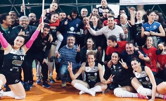 Pallavolo: in B1 femminile la Pvt Modica cede alla capolista solo al tie break, in B maschile la Volley Modica vola in testa
