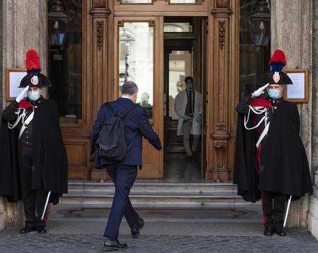 Due senatori del M5s positivi al covid-19, si fermano i lavori a Palazzo Madama