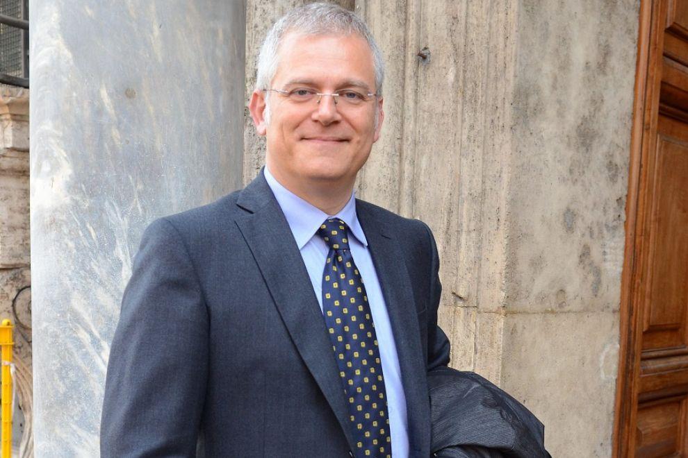 Scicli, vicenda rifiuti: intervento del senatore Francesco Campanella