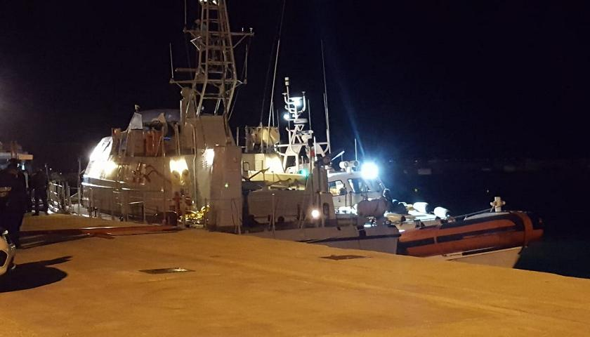 Sequestrate 11 tonnellate di hashish a Pozzallo: due arresti