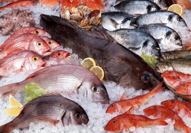 Sequestrati 168 chili di pesce a Mazara, ambulanti abusivi fuggono