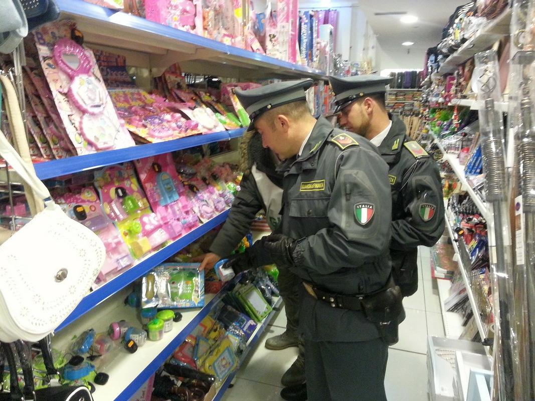 Catania, 80 mila prodotti sequestrati: