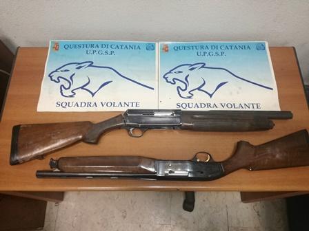 Armi, due fucili a canne mozze trovati e sequestrati a Catania