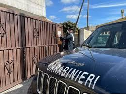 Ragusa, i carabinieri chiudono a San Giacomo autocarrozzeria abusiva