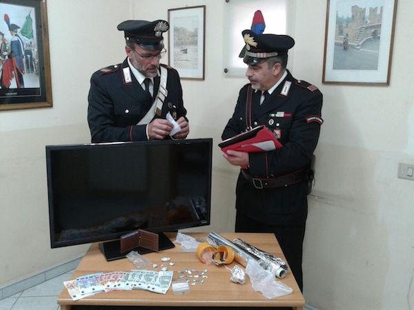 Trovati in casa con droga di ogni tipo: due persone arrestate a Priolo