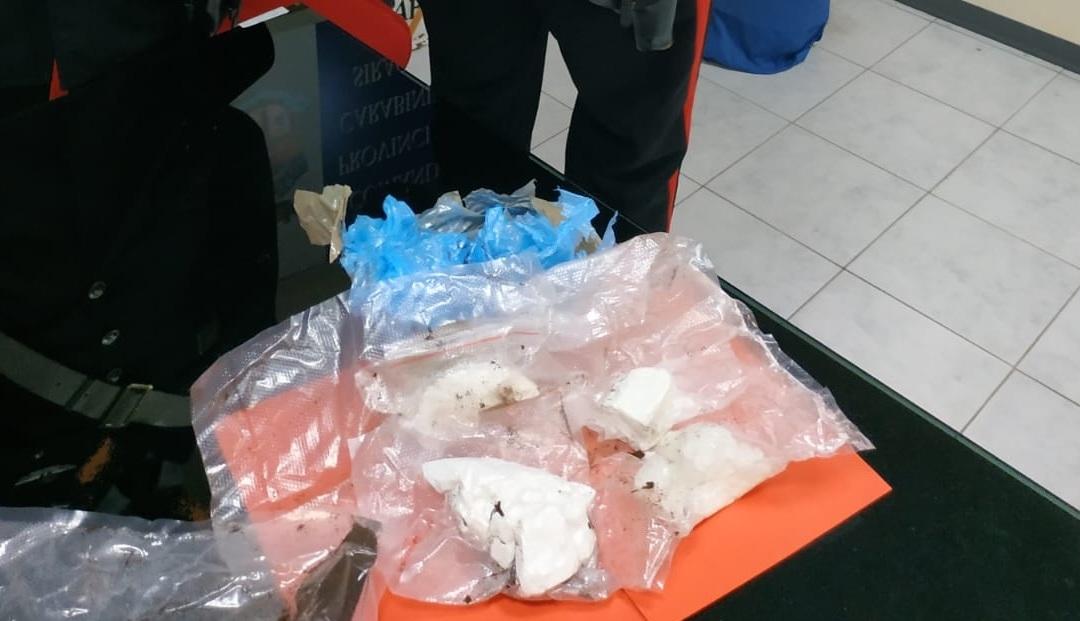 Siracusa, bloccati in viale Tunisi con la cocaina: finiscono in carcere