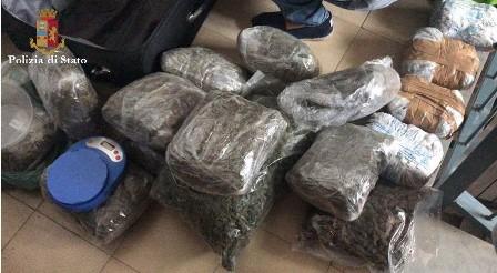 Droga, nascondeva 8 chili di marijuana: arrestata a Catania