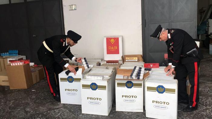 Napoli, 400 chli di sigarette di contrabbando: scatta il sequestro