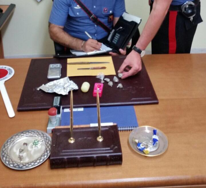 Droga e soldi in contanti, arrestato un diciannovenne di Rosolini
