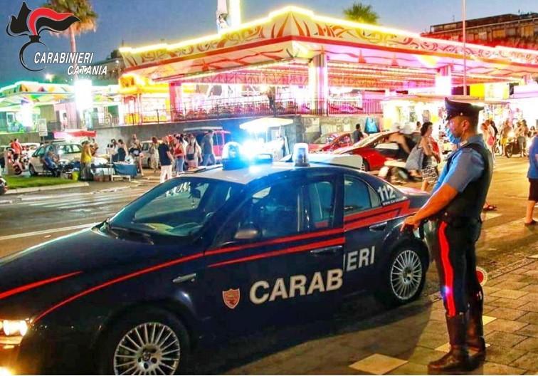 Catania, controlli anti covid nei locali di piazza Nettuno