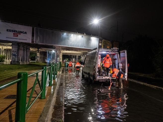 Forti piogge a Milano, esonda il Seveso nella zona nord