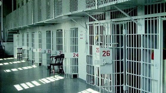 Si nasconde in una casa per sottrarsi al carcere, arresto a Lentini