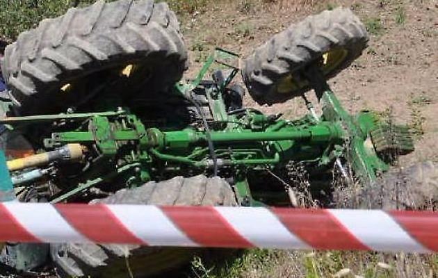 Si ribalta il trattore, grave un contadino nel Catanzarese