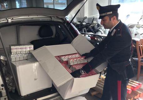 Sequestrati 166 chili di sigarette nel Napoletano, un arresto