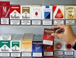 La Manovra del governo, tasse sulle sigarette e l'aumento della cedolare secca