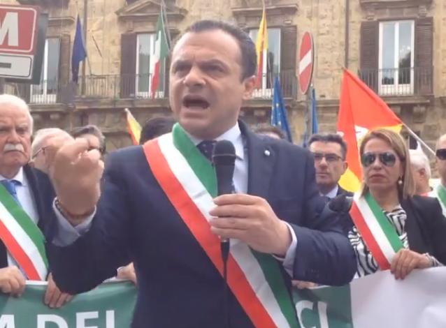 Emergenze, la marcia dei sindaci sulla Porto Empedocle - Caltanissetta