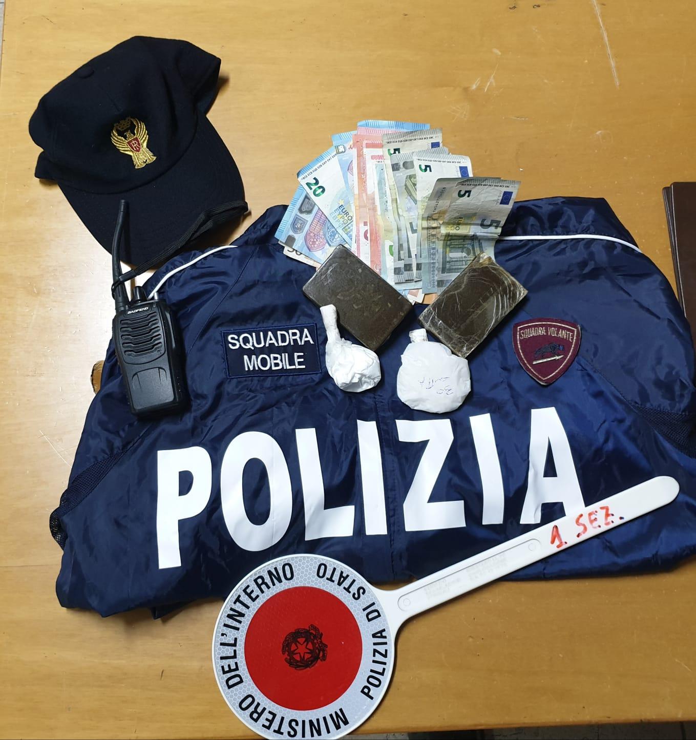 Donna arrestata a Siracusa, aveva hashish e cocaina e sostanza da taglio