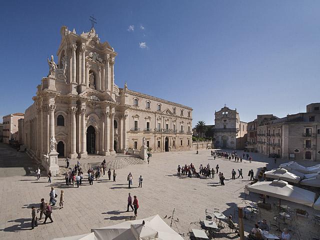 Siracusa, Avola e l'Etna protagoniste in casa Rai a Uno Mattina