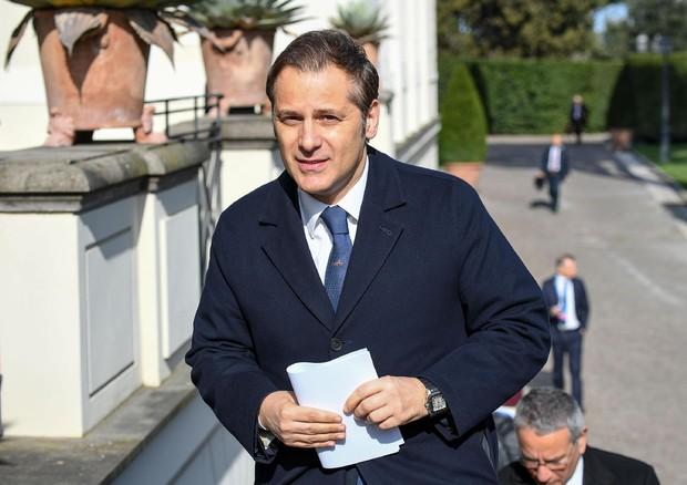 Conte chiude il 'caso Siri': revoca per il sottosegretario e dibattito in Cdm