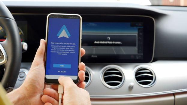 Entro il 2022 quasi il 90% delle auto avrà un sistema infotainment