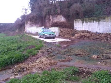 Smaltisce illecitamente liquami nel Vibonese, una denuncia